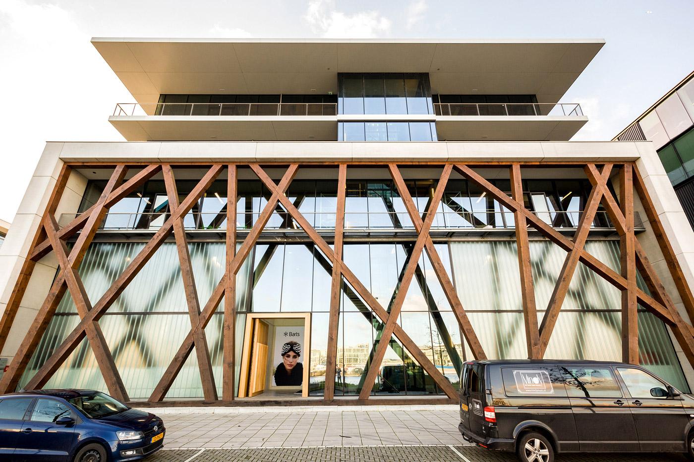 jacklinks-bifi-peperami-Barts-building-feest-receptie-hoofdkantoor-opening-fotograaf-Bob-Hersbach