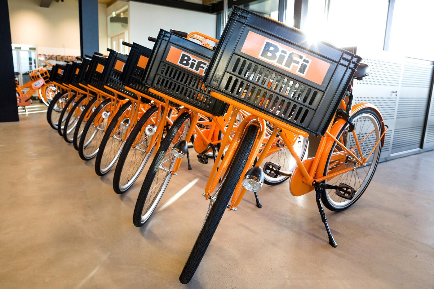 jacklinks-bifi-peperami-amsterdam-Bob-Hersbach-fotograaf-receptie-hoofdkantoor-bikes-fietsen