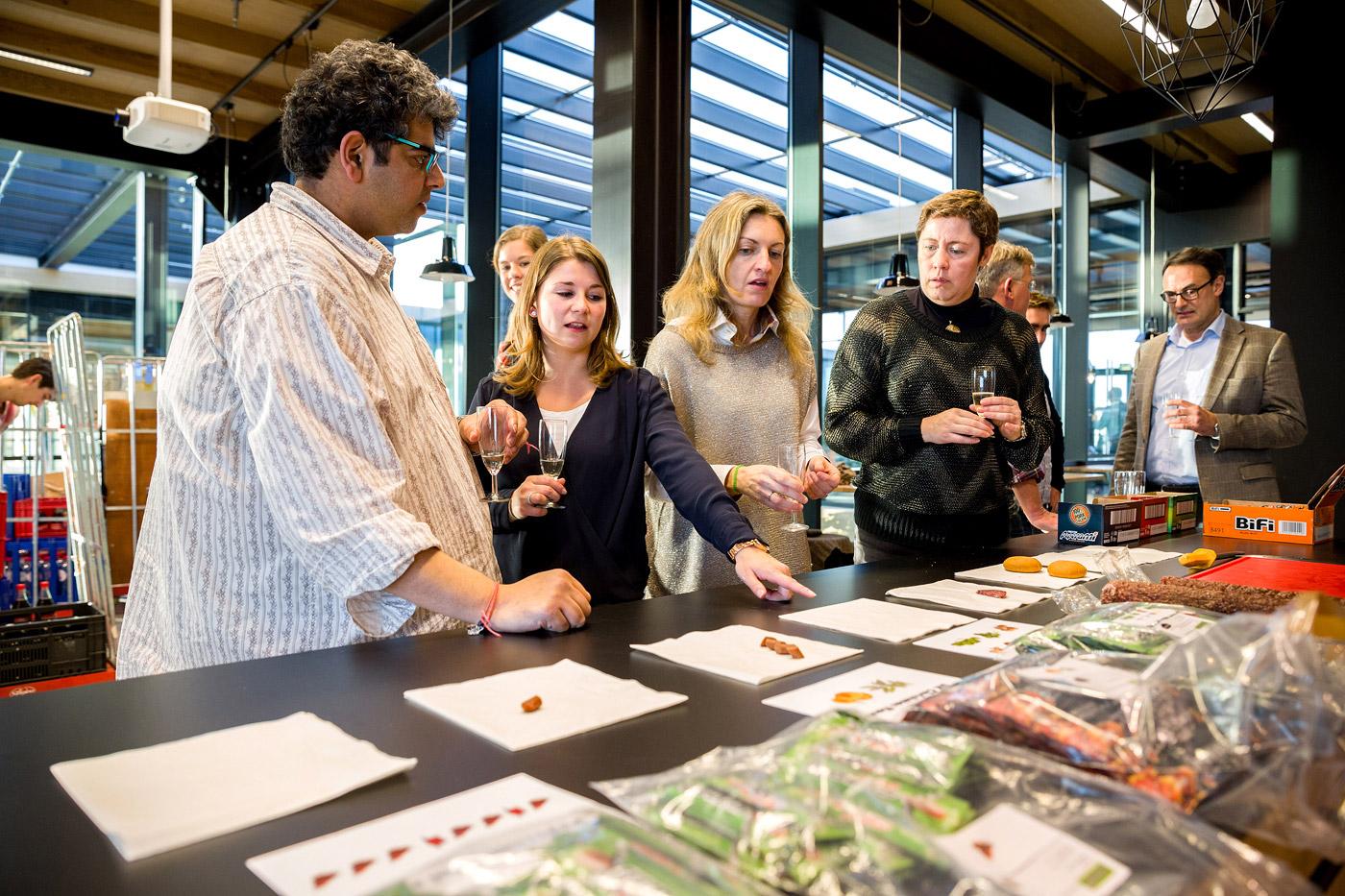 jacklinks-bifi-peperami-amsterdam-Bob-hersbach-fotograaf-receptie-hoofdkantoor-opening-foodtasting