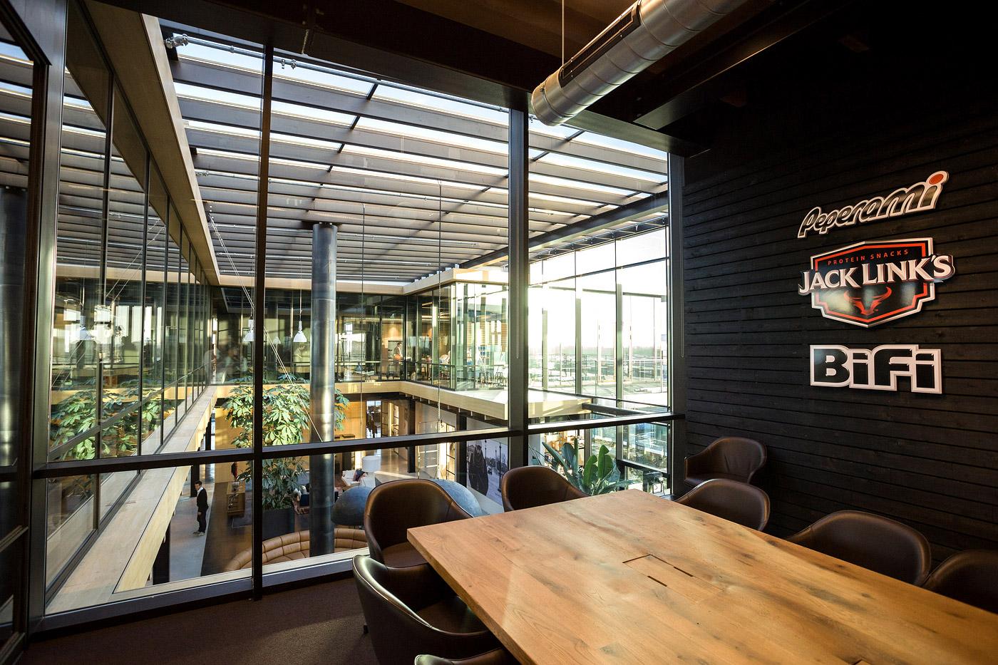 jacklinks-bifi-peperami-amsterdam-feest-receptie-hoofdkantoor-opening-Bob-Hersbach