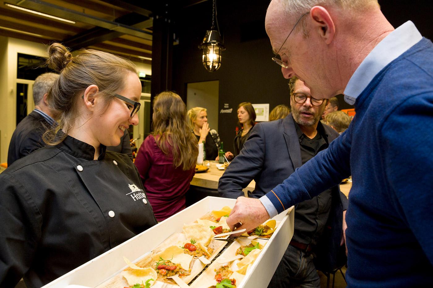 jacklinks-bifi-peperami-amsterdam-feest-receptie-hoofdkantoor-opening-hutten-food