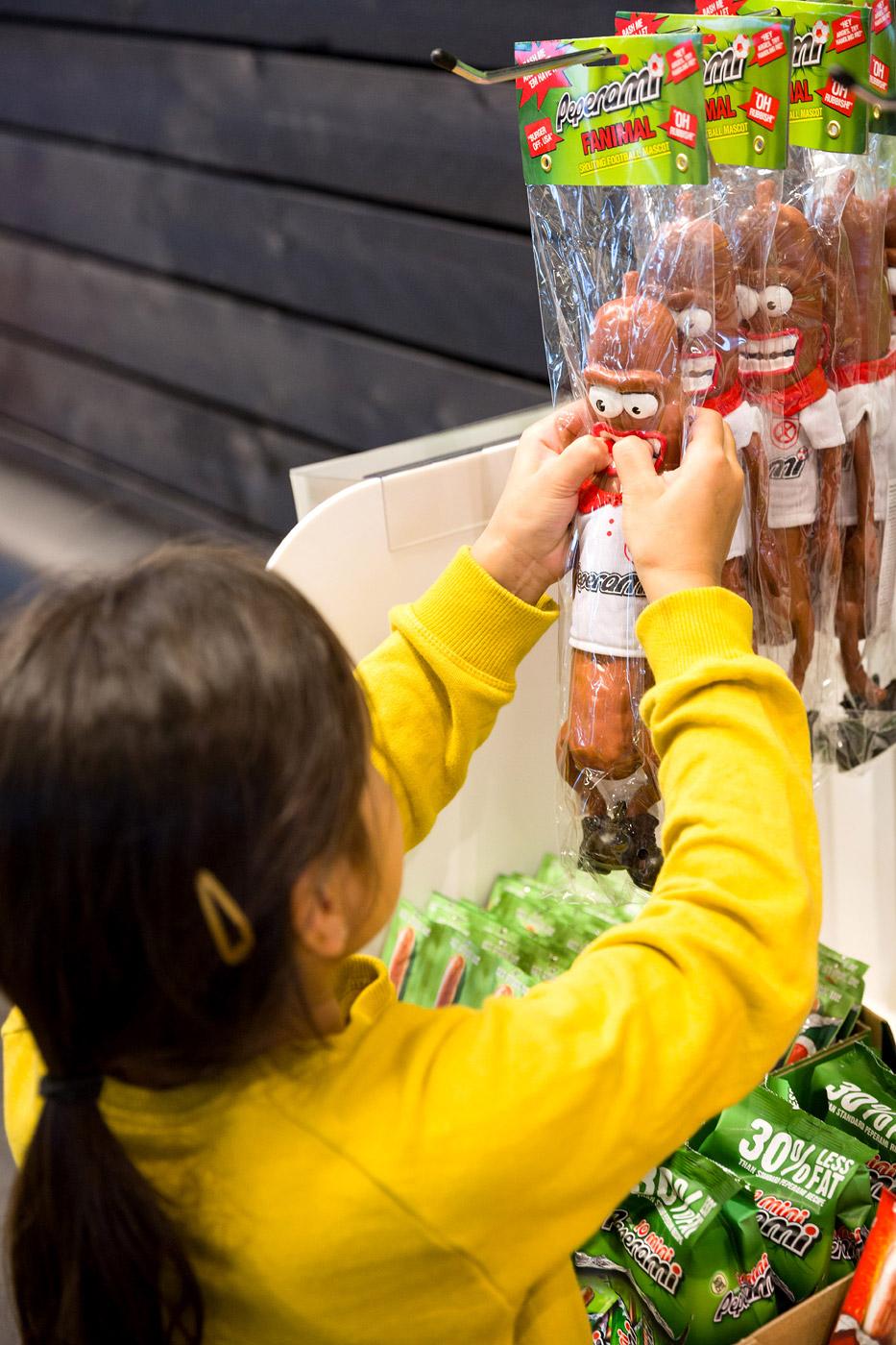 jacklinks-bifi-peperami-amsterdam-feest-receptie-hoofdkantoor-opening-kid-animal