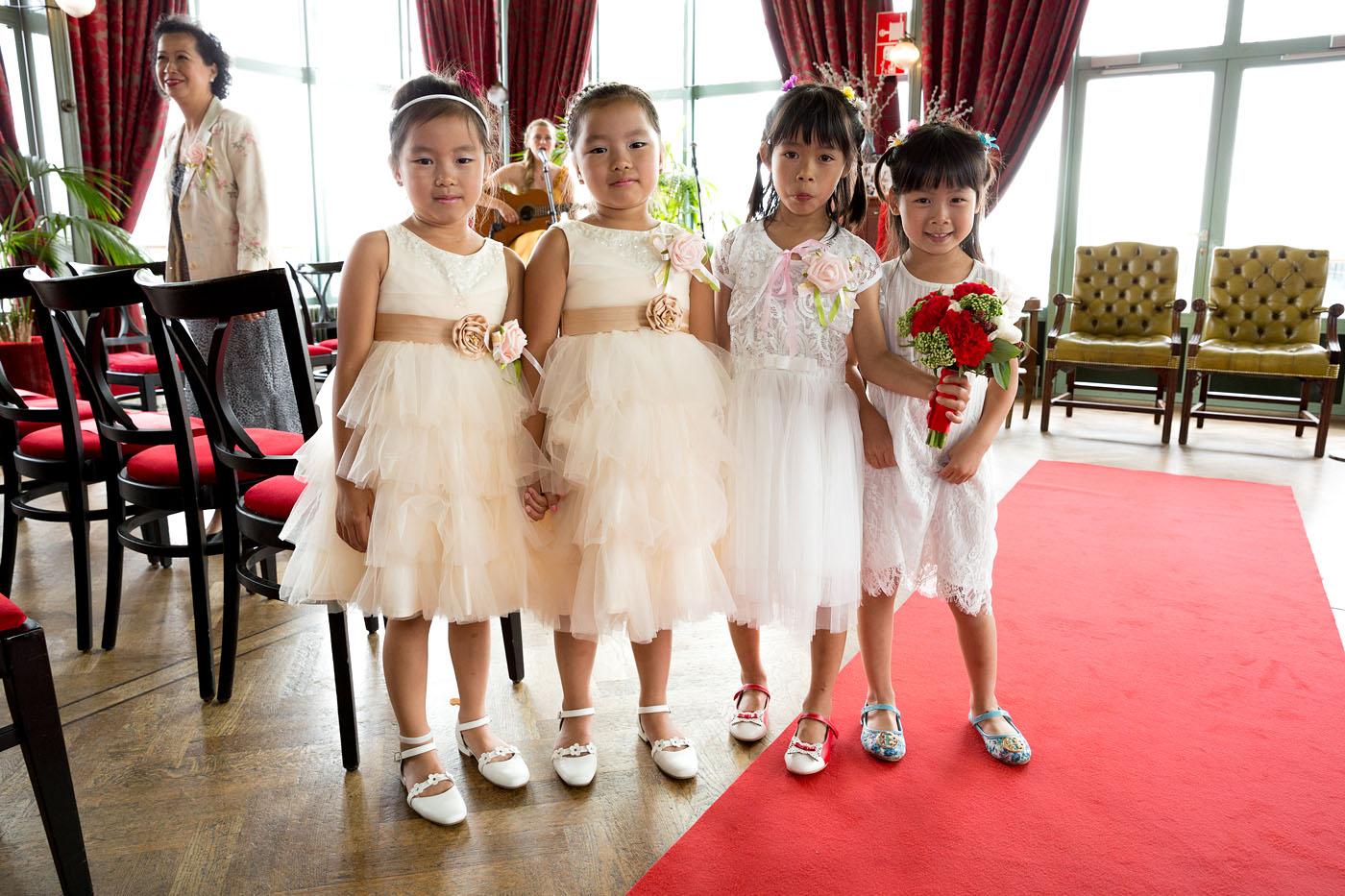 bruiloft-wedding-trouwen-fotograaf-chinees-bobhersbach-rotterdam-feest-dansen-bruidmeisjes
